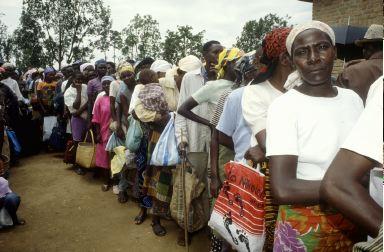 gent ruandesa.jpg, 27 KB